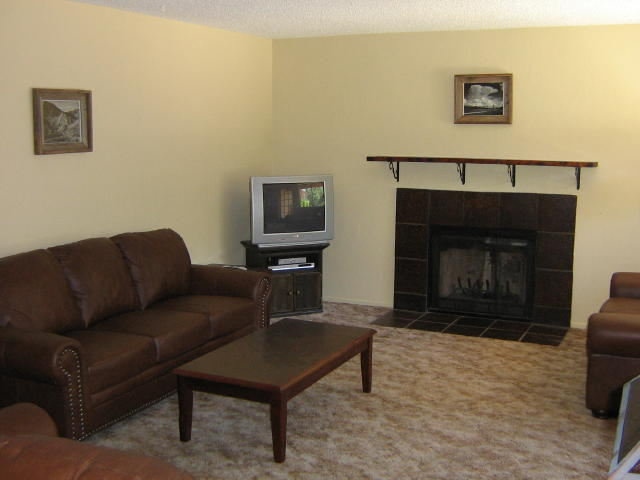 Living Room with DirecTV and DVD player